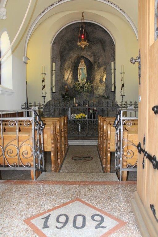 Lourdeskapelle innen